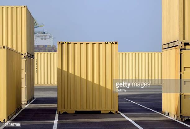 yellow containers - container stockfoto's en -beelden