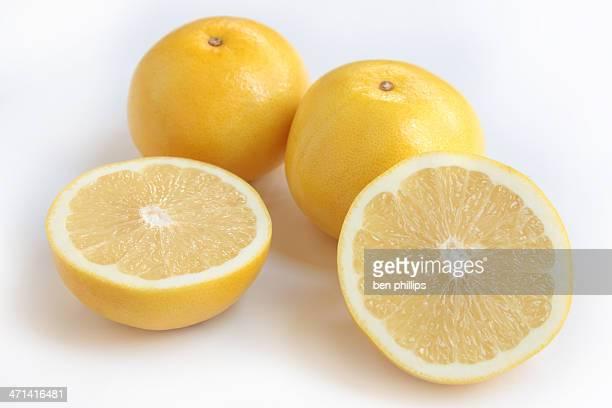 黄色のグレープフルーツ