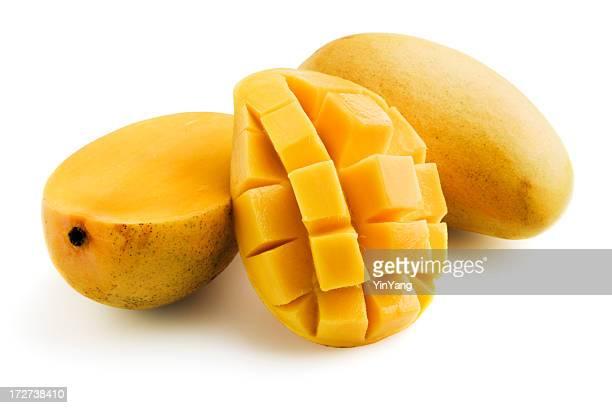 Giallo Mangoes, frutta tropicale e taglio isolato su sfondo bianco