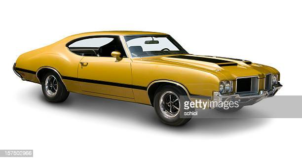 yellow oldsmobile 442 muscle car - 1970s muscle cars stock pictures, royalty-free photos & images
