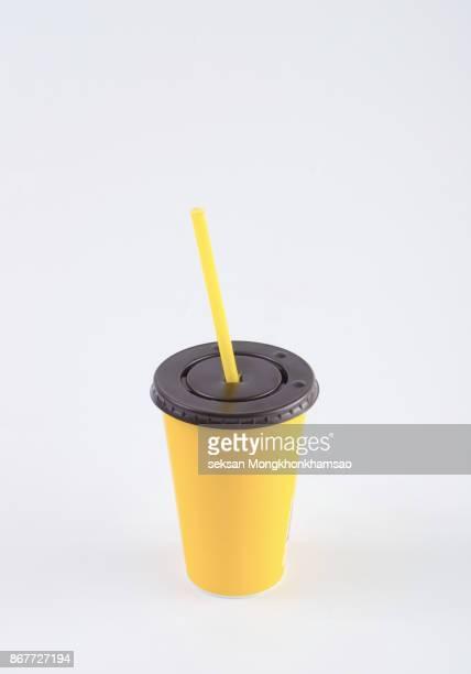 yellow paper glass - kaltes getränk stock-fotos und bilder