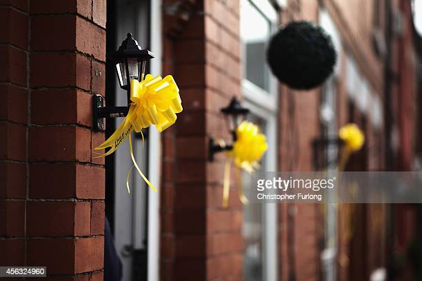 Yellow ribbons adorn homes in support of Islamic State hostage Alan Henning on September 29 2014 in Salford England Neighbours of hostage Alan...