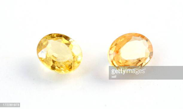 yellow sapphires - saffier stockfoto's en -beelden