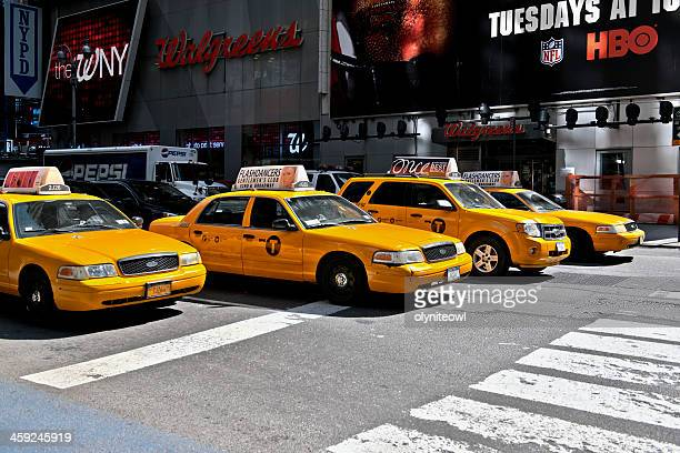 nyc yellow taxi cabs - 7th avenue stock pictures, royalty-free photos & images