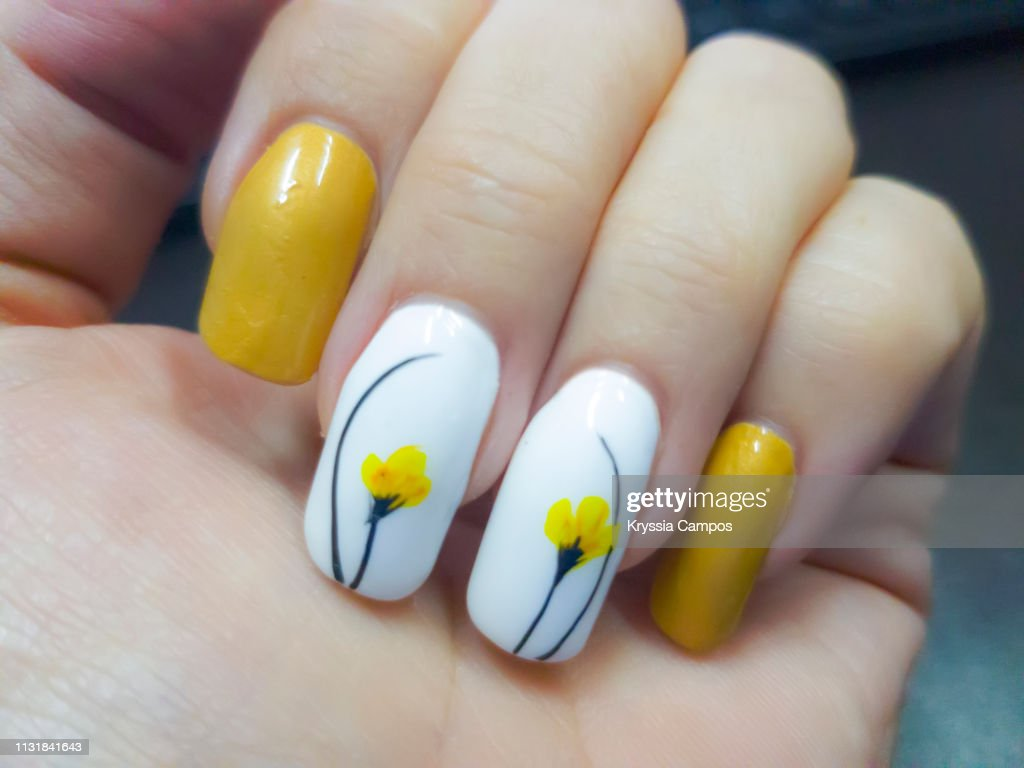 yellow tulip nails art picture id1131841643