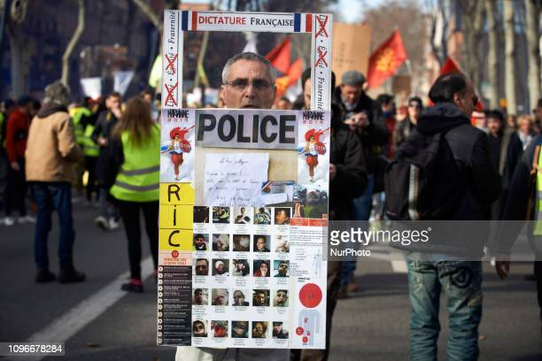 A Yellow Vest policeman asks his collegues to quit Act XIII dubbed 'Civil disobediencequot' of the Yellow Vest movement begun peacefully but the...