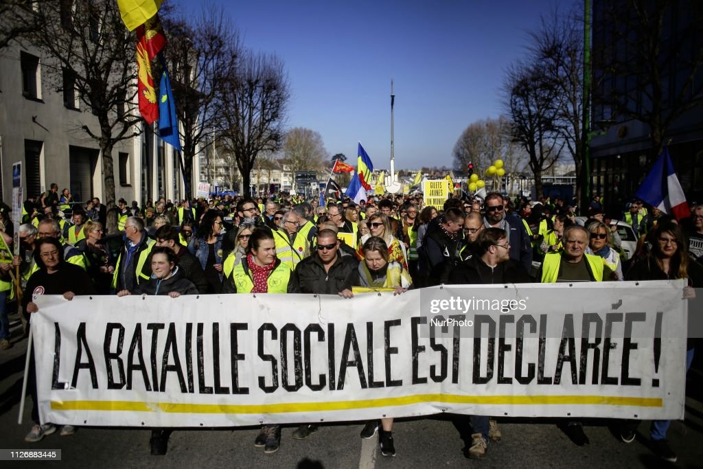 Yellow vests protest in Caen, Normandie : Fotografia de notícias