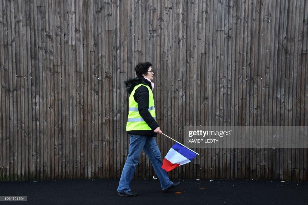 FRANCE-SOCIAL-POLITICS-ENVIRONMENT-OIL-PROTEST : News Photo