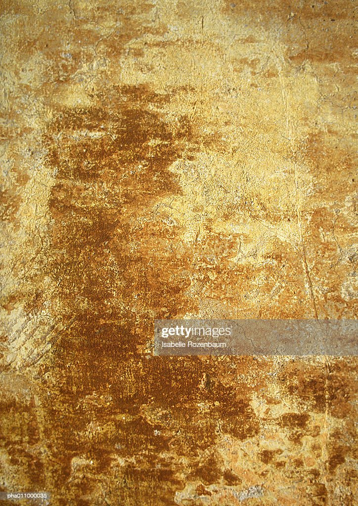 Yellowing, brownish wall. : Foto de stock