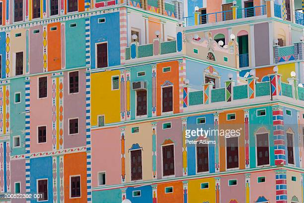 yemen, wadi dawan, khaylla palace, brightly painted building - yemen stock pictures, royalty-free photos & images