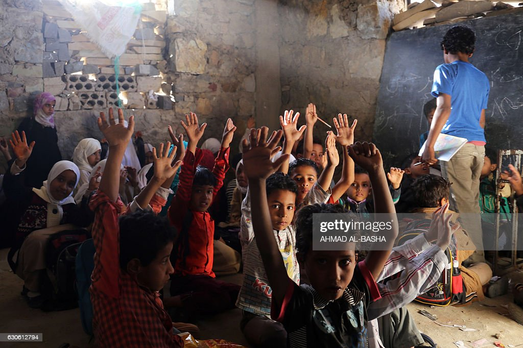 TOPSHOT-YEMEN-CONFLICT-CHILDREN : News Photo