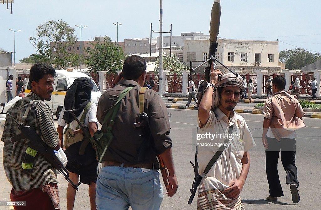 Yemeni army regains control of Aden airport : Foto di attualità