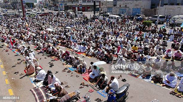 Yemenis perform Friday Prayer prior to a protest against the political intervention in the country by the Ansarullah Movement in Al Hudaydah city of...