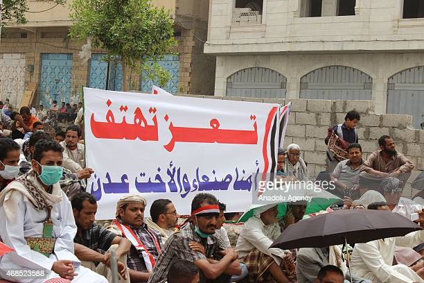 Yemenis stage a demonstration to support Saudiled 'Decisive Storm' operation against Houthis in Taiz city of Yemen on April 3 2015 A demonstration in...