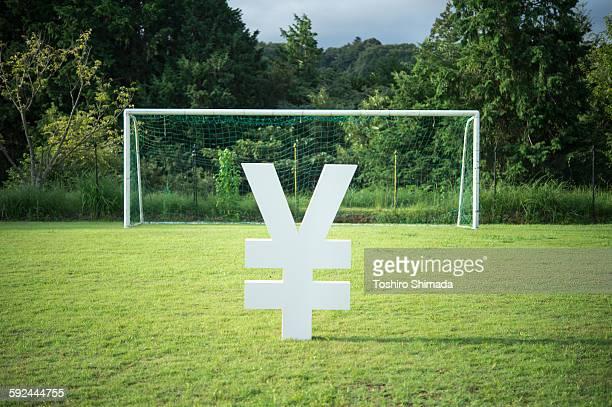 Yen shape object and the soccer goal