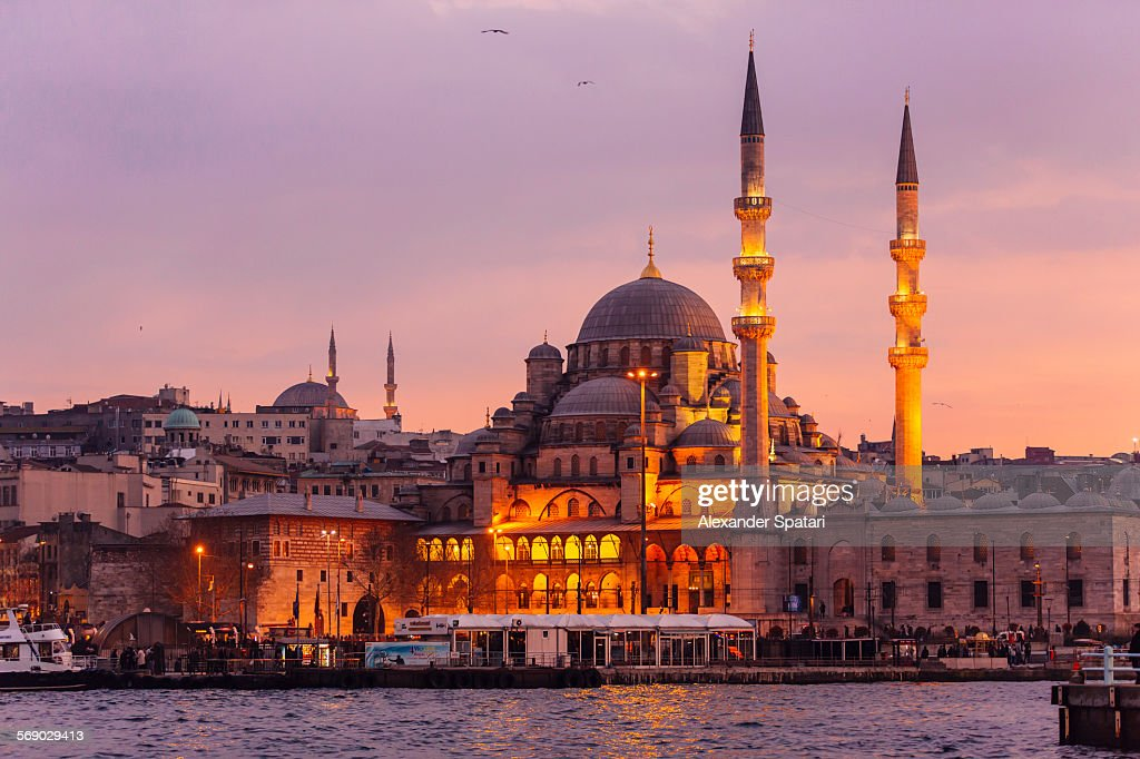 Yeni Cami (New Mosque) in Istanbul, Turkey : Foto de stock