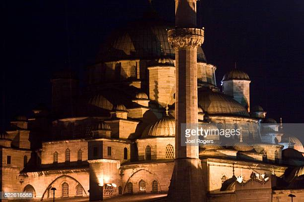 yeni camii mosque at night - faith rogers stock pictures, royalty-free photos & images