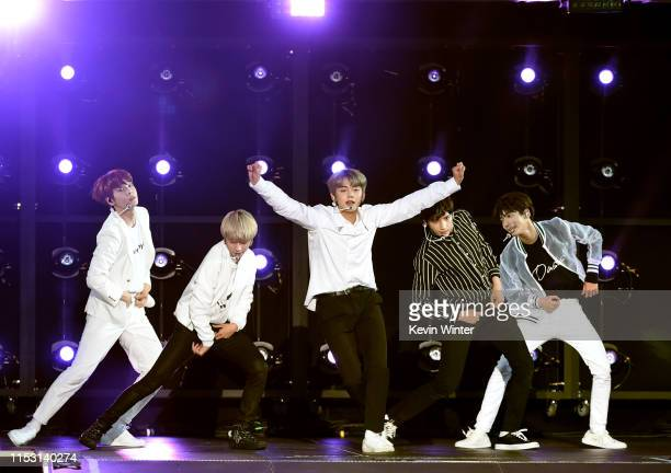 Yeonjun Soobin Beomgyu Taehyun and Huening Kai of Tomorrow X Together performs onstage at 2019 iHeartRadio Wango Tango presented by The JUVÉDERM®...