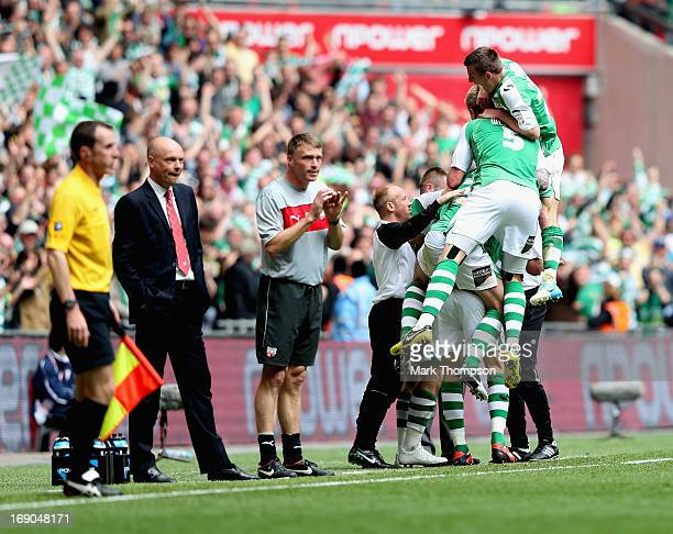 Yeovil Town players celebrate James Hayters goal during the NPower League One play off final between Brentford and Yeovil Town at Wembley Stadium on...
