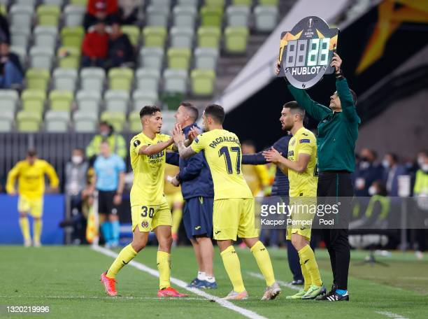 Yeremi Pino of Villarreal CF is substituted and replaced by Paco Alcacer during the UEFA Europa League Final between Villarreal CF and Manchester...