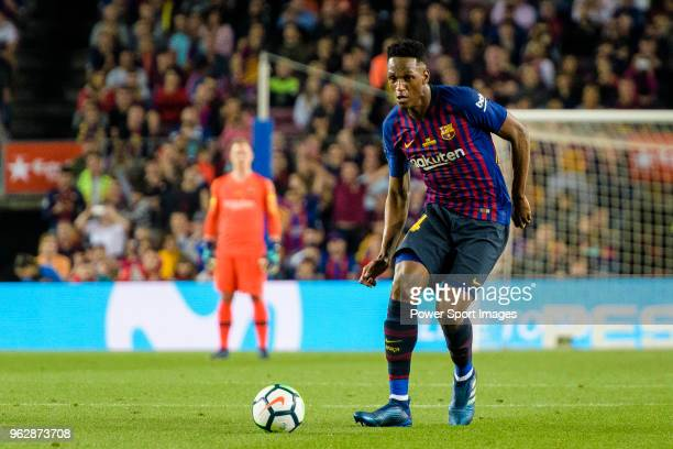 Yerry Fernando Mina of FC Barcelona in action during the La Liga match between Barcelona and Real Sociedad at Camp Nou on May 20 2018 in Barcelona
