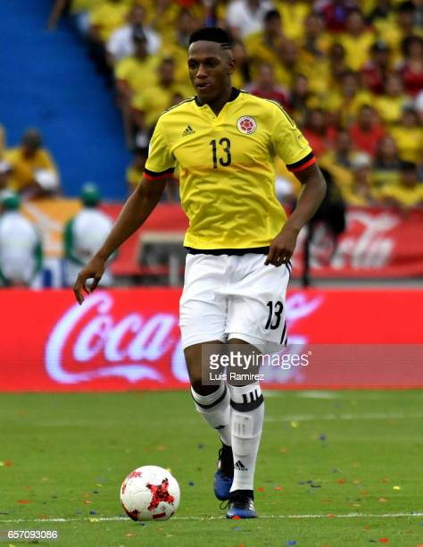 Yerry Mina of Colombia drives the ball during a match between Colombia and Bolivia as part of FIFA 2018 World Cup Qualifiers at Metropolitano Roberto...
