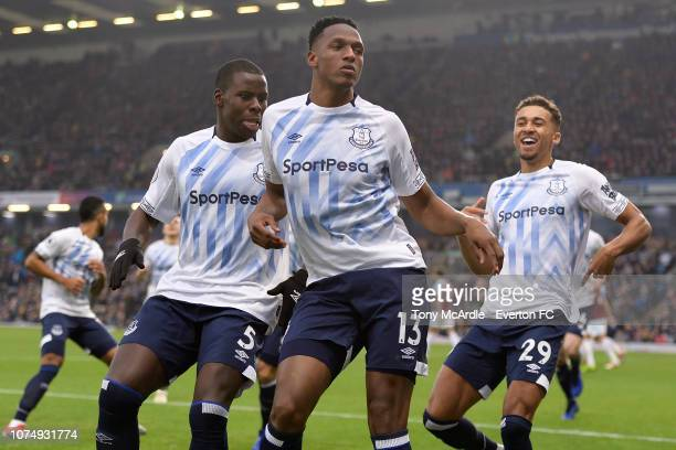 Yerry Mina of Everton celebrates his goal during the Premier League match between Burnley v Everton at Turf Moor on December 26, 2018 in Burnley,...