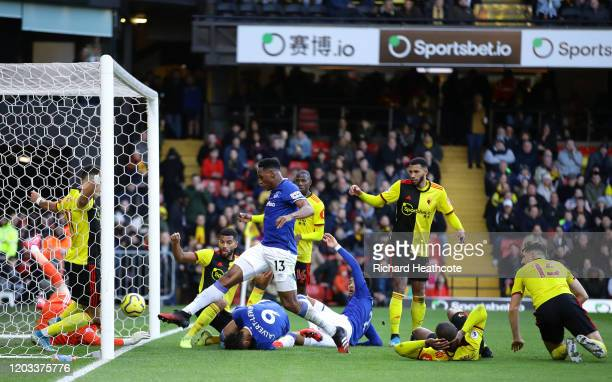 Yerry Mina of Everton scores his team's first goal during the Premier League match between Watford FC and Everton FC at Vicarage Road on February 01...