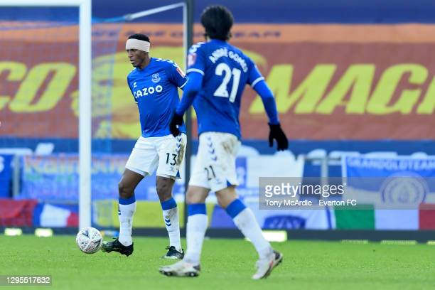 Yerry Mina of Everton with a bandage on his head during the FA Cup Third Round match between Everton and Rotherham United at Goodison Park on January...