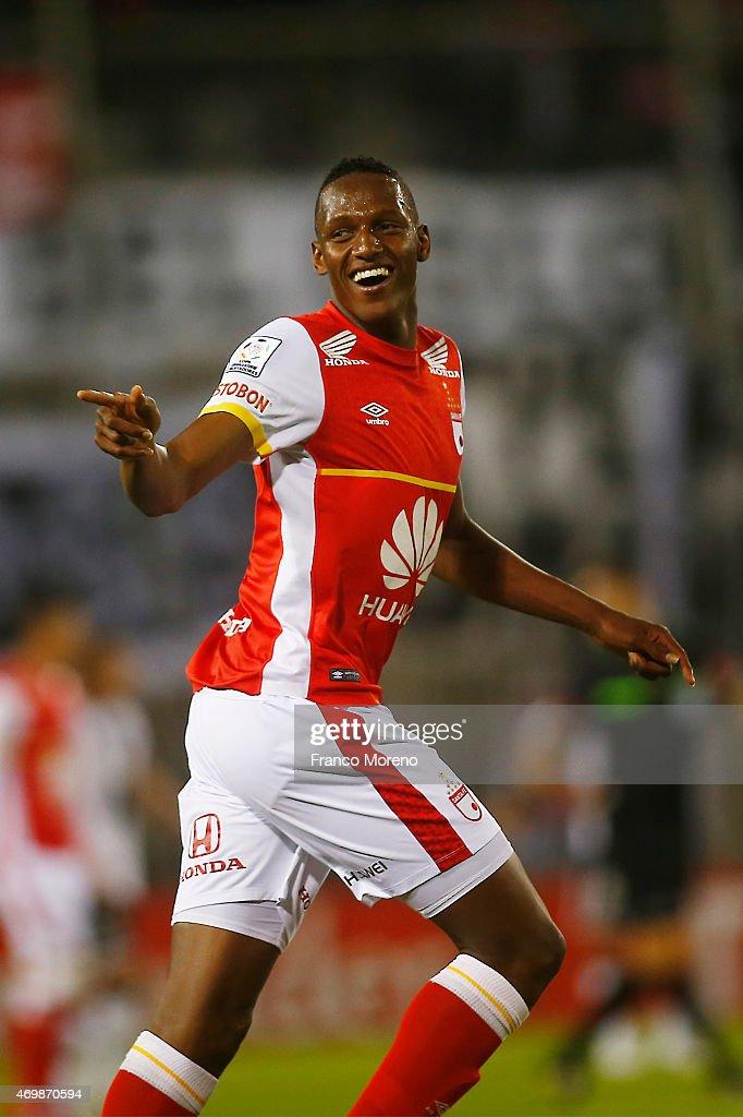 Colo Colo v Independiente Santa Fe - Copa Bridgestone Libertadores : ニュース写真