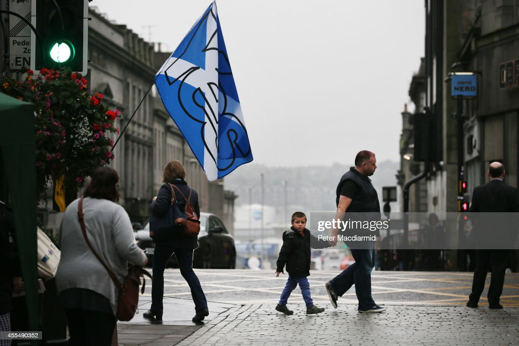 A yes campaign Saltire flag flies in Union Street on September 15, 2014 in Aberdeen,Scotland. The latest polls in Scotland's independence referendum put the No campaign back in the lead, the first time they have gained ground on the Yes campaign since the start of August.