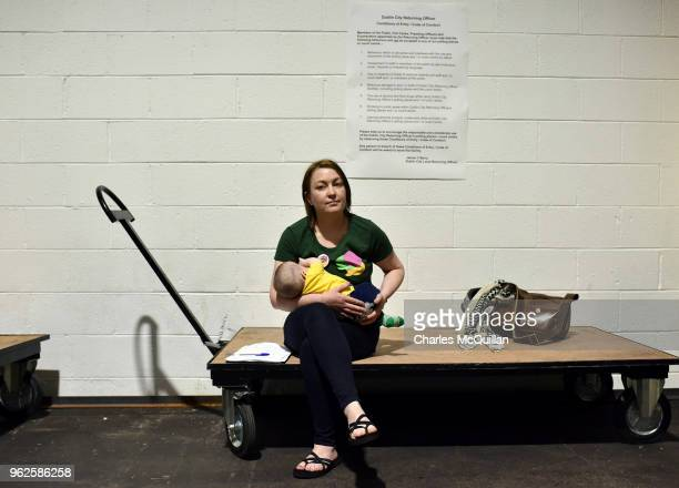 Yes campaigner breast feeds her baby as the count in the Irish referendum on the 8th amendment concerning the country's abortion laws takes place at...