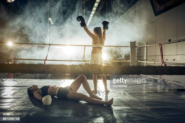 yes, i have won this match! - muay thai stock pictures, royalty-free photos & images