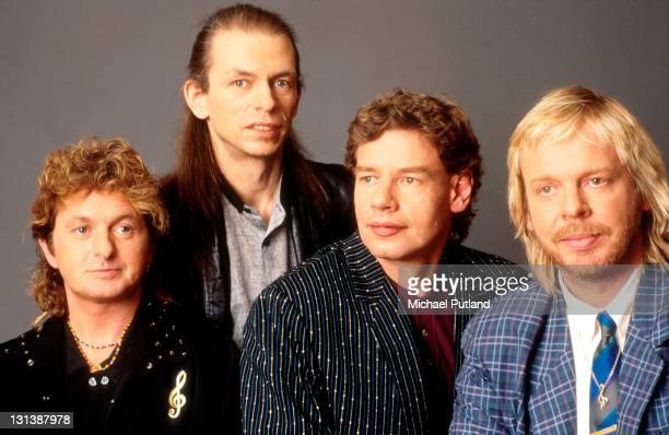 Yes spinoff band Anderson Bruford Wakeman Howe London February 1989 Left to right Jon Anderson Steve Howe Bill Bruford and Rick Wakeman