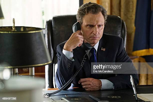 SCANDAL 'Yes' The Pope and Associates team dives into a new case that takes Olivia out of DC and away from the President Meanwhile back at the White...