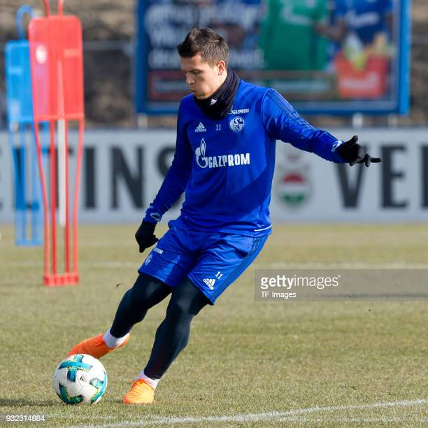 Yevhen Konoplyanka of Schalke controls the ball during a training session at the FC Schalke 04 Training center on March 06 2018 in Gelsenkirchen...