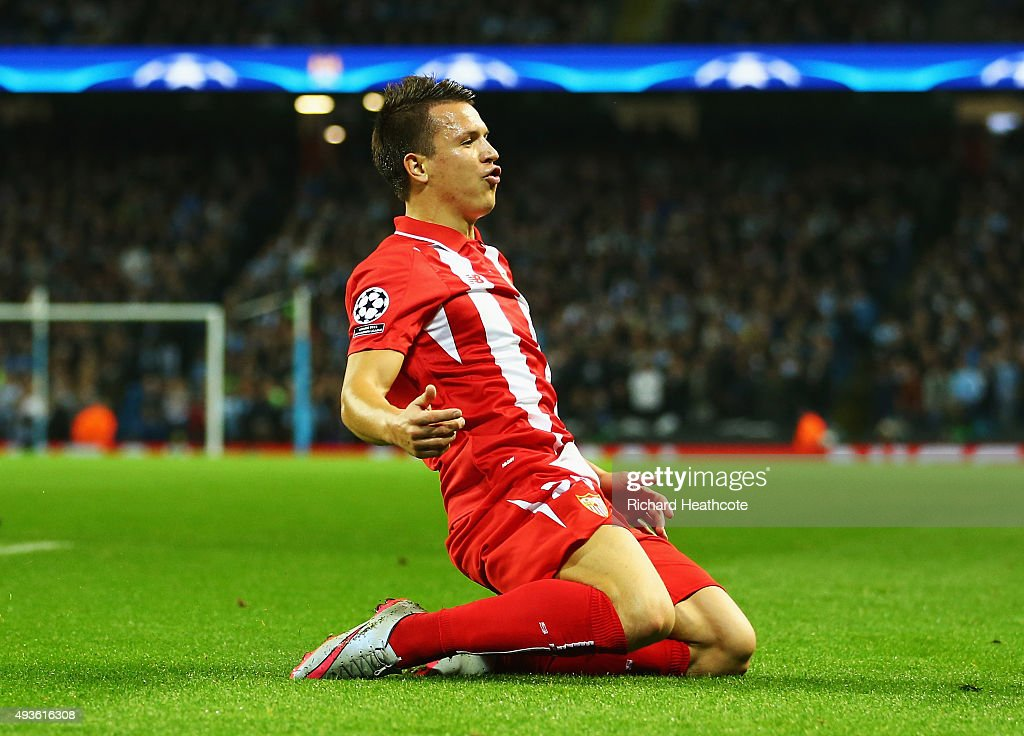 Manchester City FC v Sevilla FC - UEFA Champions League : News Photo