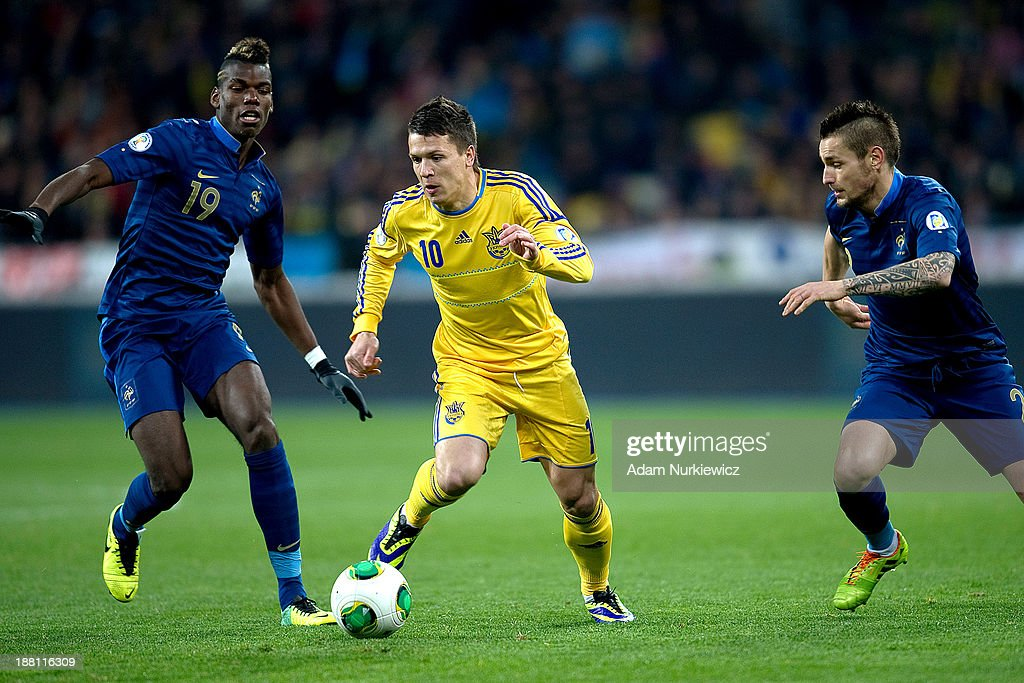 Ukraine v France - FIFA 2014 World Cup Qualifier: Play-off First Leg : News Photo
