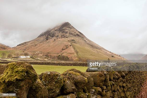 yewbarrow and drystone wall at wasdale head - theasis stock pictures, royalty-free photos & images