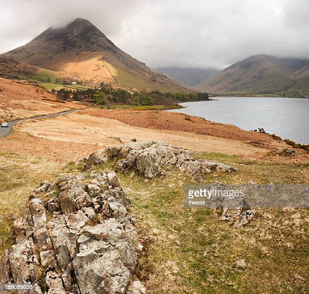 yewbarrow and wast water - theasis stock pictures, royalty-free photos & images