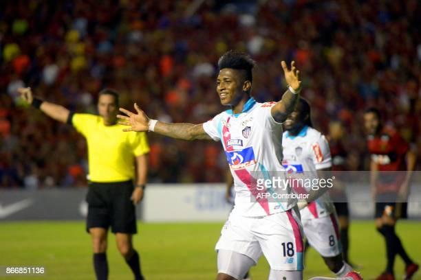 YGonzalez of Colombia's Junior de Barranquilla celebrates after scoring against Brazil's Recife during their Sudamericana Cup first leg quarterfinal...