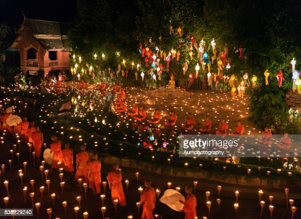 yi peng festival, wat phan tao, chiang mai. - buddhist new year stock pictures, royalty-free photos & images