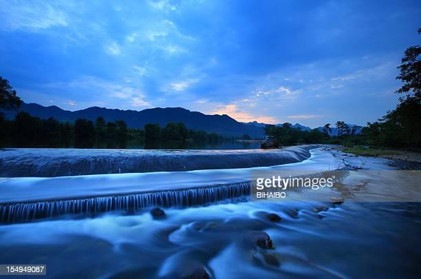 yi river at dawn
