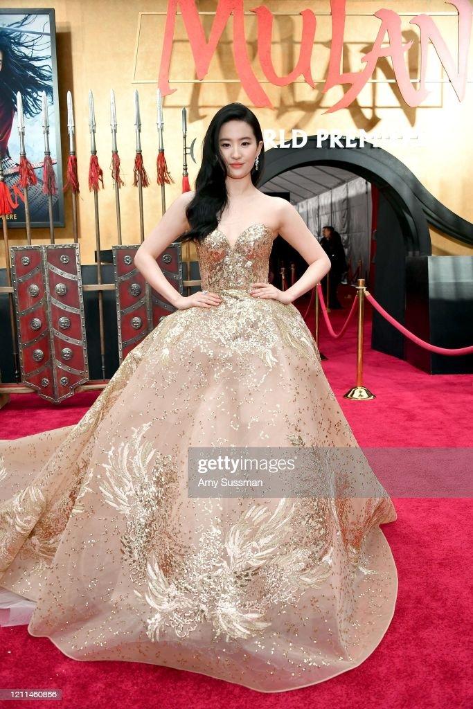 "Premiere Of Disney's ""Mulan"" - Red Carpet : News Photo"