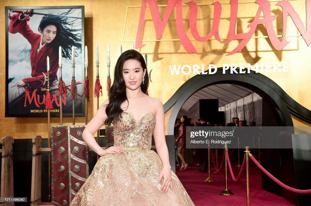 "Los Angeles World Premiere Of Disney's ""Mulan"" : News Photo"
