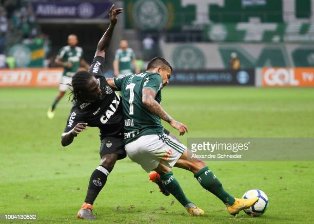 Yimmi Chara of Atletico MG and Dudu of Palmeiras in action during the match between Palmeiras and Atletico MG for the Brasileirao Series A 2018 at...