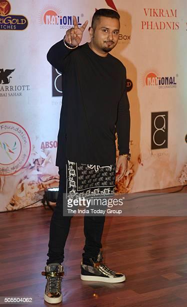 Yo Yo Honey Singh at Vikram Phadniss 25th anniversary fashion show in Mumbai