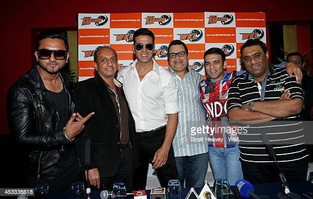 Yo Yo Tigers Owner Honey Singh poses with Khalsa Warriors co owner Akshay Kumar during the World Kabaddi League Press Conference on August 8 2014 in...