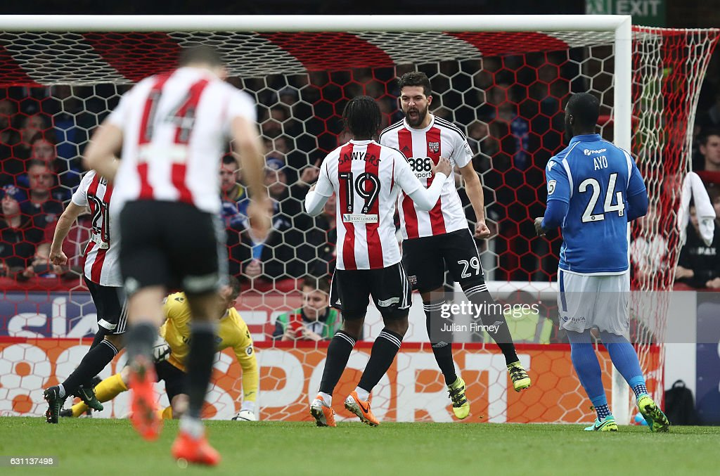 Brentford v Eastleigh FC - The Emirates FA Cup Third Round : News Photo