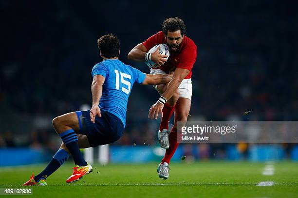 Yoann Huget of France takes on Luke McLean of Italy during the 2015 Rugby World Cup Pool D match between France and Italy at Twickenham Stadium on...